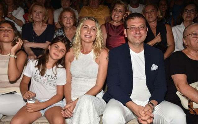 İmamoğlu tanınmışlarla birlikdə Livanelinin konsertində