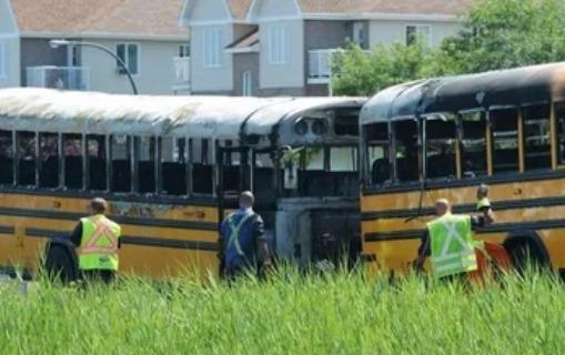 Kanadada iki avtobus toqquşdu