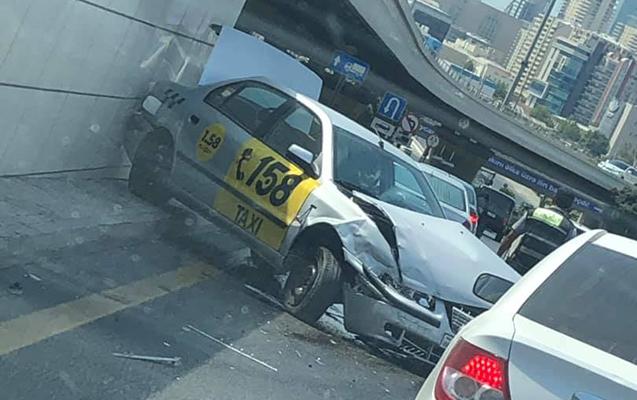 Taksi sürücüsü qəza törətdi