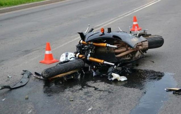 """""""Mercedes""""lə motosikleti vurub qaçdı"""