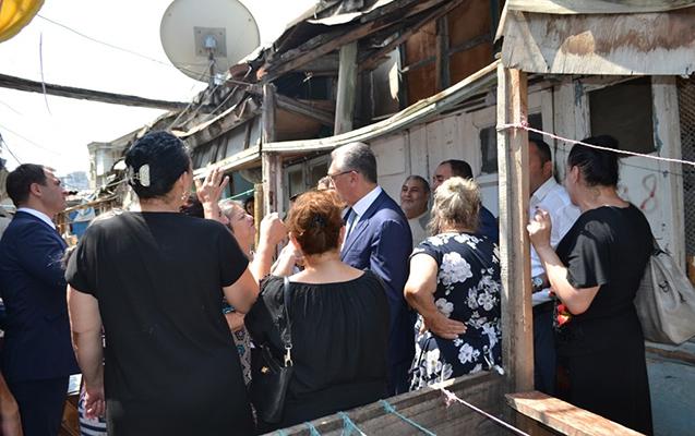 Prezident tapşırıq verdi, Eldar Əzizov sökülən binaya getdi