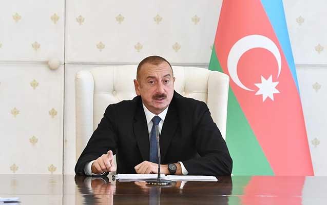 """""""Savadsız bir demaqoq Müdafiə naziri olmuşdu"""" - Prezident"""