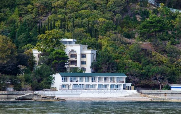 Brejnevin sevimli bağ evi 1,2 milyarda satıldı