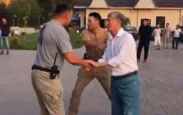 Xüsusi təyinatlılar girov götürüldü - Atambayev hardadır?