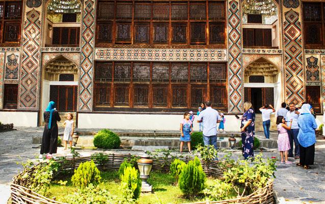 Şəki Xan Sarayı da bağlandı