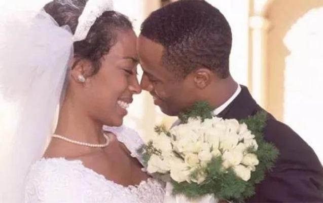 Qadınları aldadan evli kişilərlə