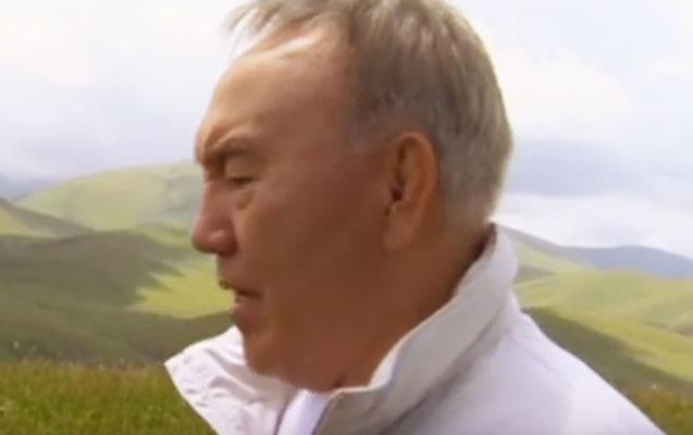 Nazarbayev oxuduğu mahnıya klip çəkdirdi