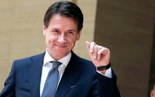 İtaliyanın Baş Naziri istefa verdi