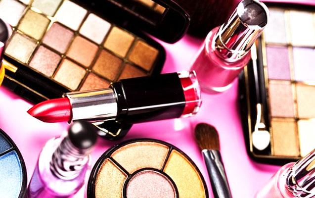 Gömrük Komitəsi 7 minlik kosmetik məhsulu satışa çıxardı