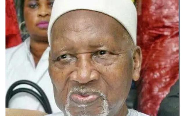 Qambiyanın ilk prezidenti vəfat etdi