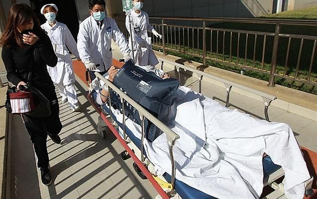 Məktəbə hücum, 10 şagird yaralandı