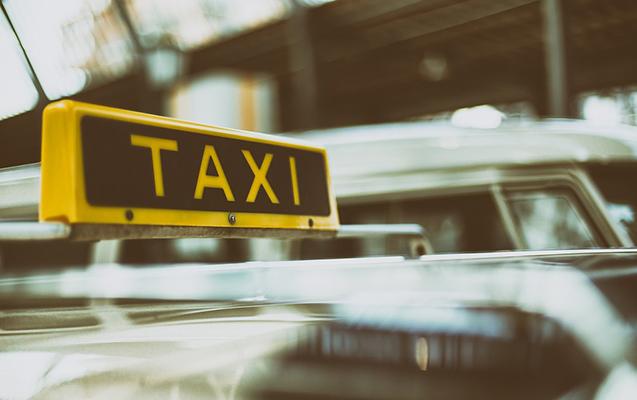 Taksi sürücüsünü soyan tutuldu