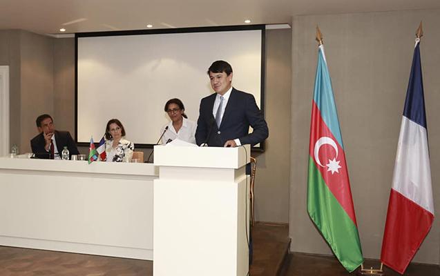 """""""Mühacirlərin həyatı"""" Fransada təqdim olundu"""