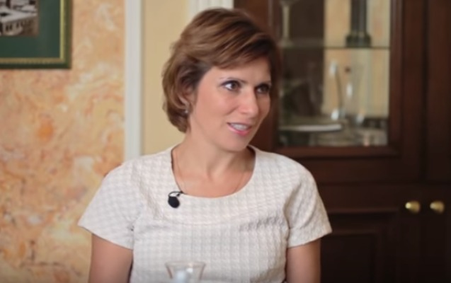 """""""Azərbaycanlı kişilər rus kişilərdən daha güclüdür"""" - Rusiyalı aparıcı + Video"""