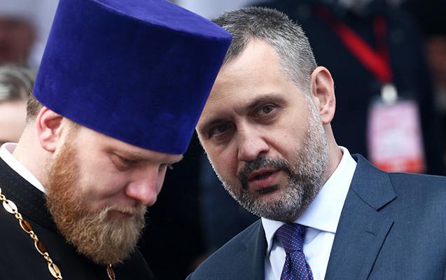 Kirill mətbuat katibini işdən çıxardı