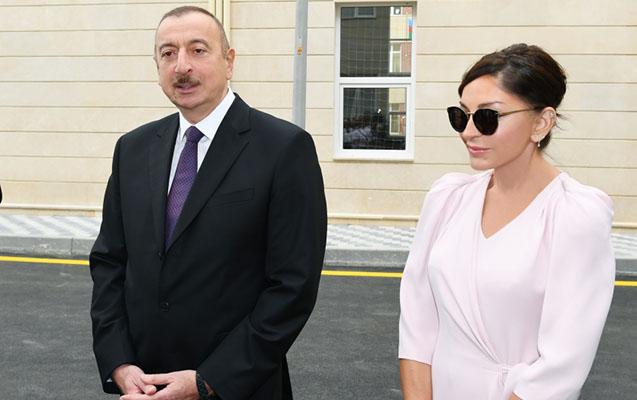 """Prezidentlə xanımı """"Koroğlu"""" Nəqliyyat Mübadilə Mərkəzinin açılışında"""