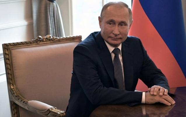 Putin suala Qurandan sitat gətirərək cavab verdi