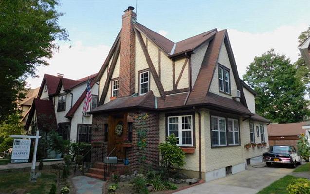 Trampın uşaqlığı keçən ev 2 milyona satışa çıxarıldı