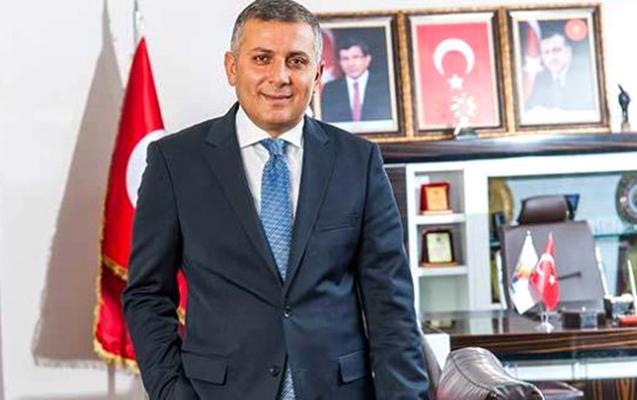 Davudoğluna yaxın daha bir nəfər AKP-dən getdi