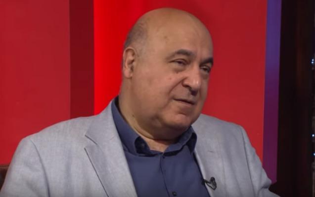 """""""Ona inanmasaydım, yazmazdım"""" - 30 milyon kitabı olan Çingiz Abdullayev + Video"""