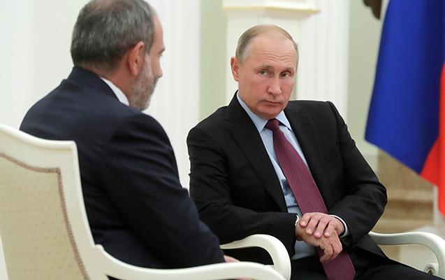 Paşinyan bir saatda 2 dəfə Putinə zəng edib