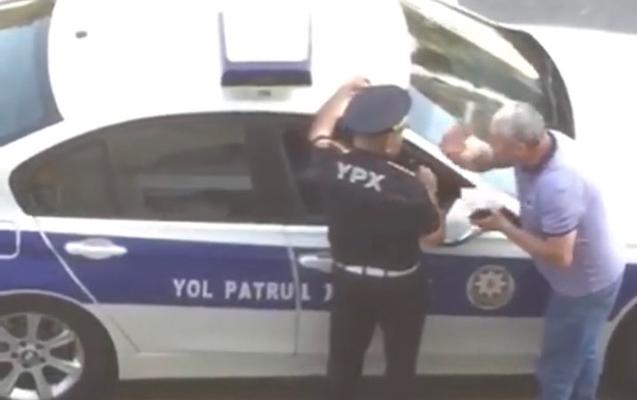 Sürücünün söydüyü yol polisi işdən çıxarıldı