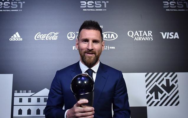 Messi ilin ən yaxşı futbolçusu seçildi - Ronaldo tədbirə qatılmadı