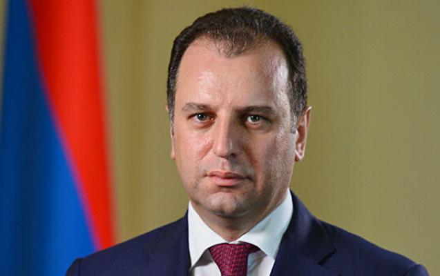 Ermənistanın keçmiş Müdafiə nazirinə qarşı cinayət işi açıldı