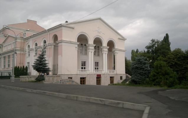 Rusiyada teatrda yanğın, 400 nəfər təxliyyə edildi