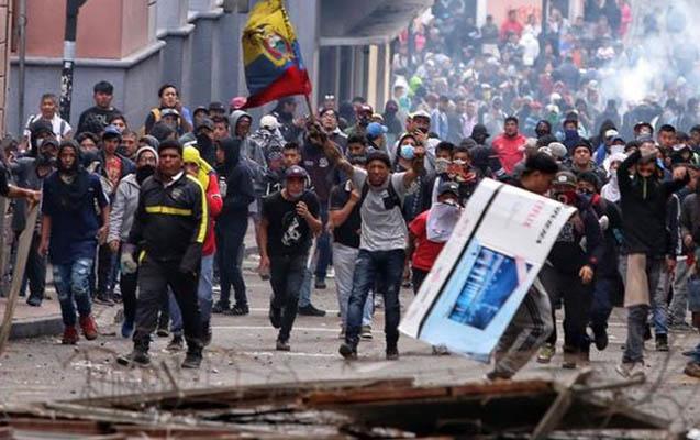 Ekvadorda aksiyalarda 400-dən çox insan yaralanıb