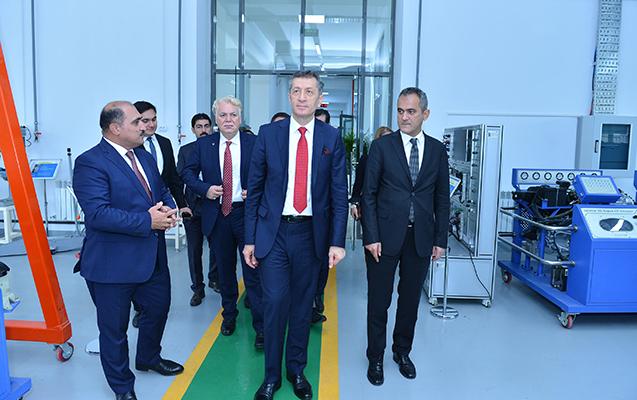 Ziya Selçuk Bakı Dövlət Peşə Təhsil Mərkəzində