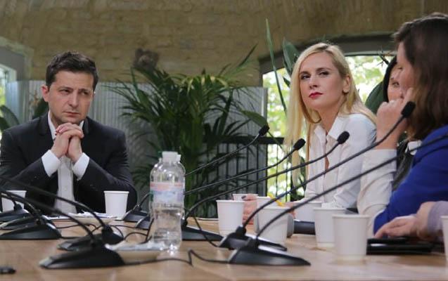 """Zelenski jurnalistlərə 14 saatdan çox """"hesabat"""" verib"""