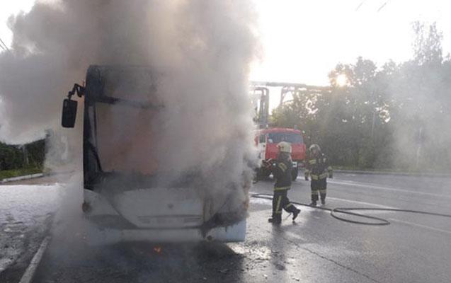 Keçmiş məhkum avtobusu yandırıb təslim oldu
