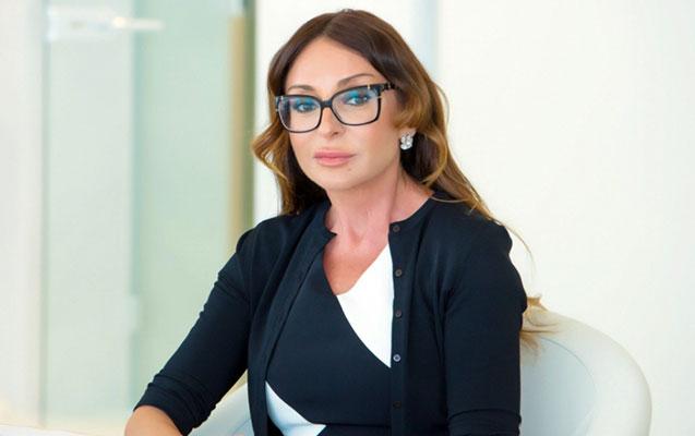 Birinci vitse-prezident Mehriban Əliyeva Dövlət Müstəqilliyi Günü münasibətilə Azərbaycan xalqını təbrik edib