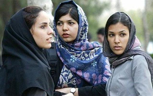 İranda müdirlərə qadın katibə qadağan olundu