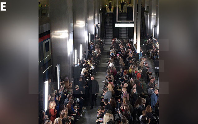 Moskva metrosunda moda nümayişi keçirildi