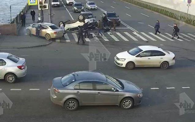 """Rusiyada """"Volkswagen"""" səkidəki 7 piyadanı vurdu"""