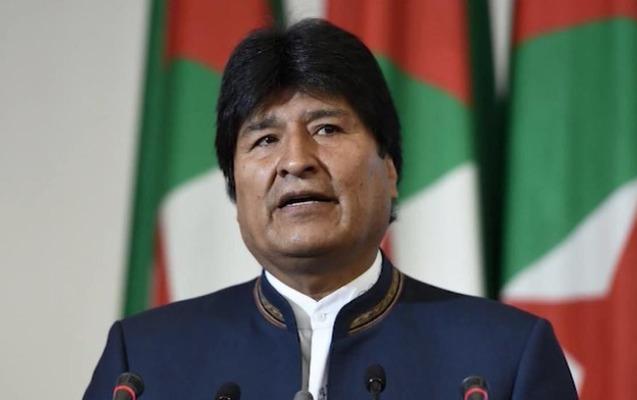 Morales Meksikanı tərk etdi