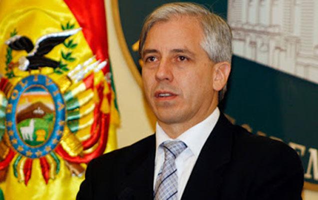 Boliviyanın vitse-prezidenti də istefa verdi