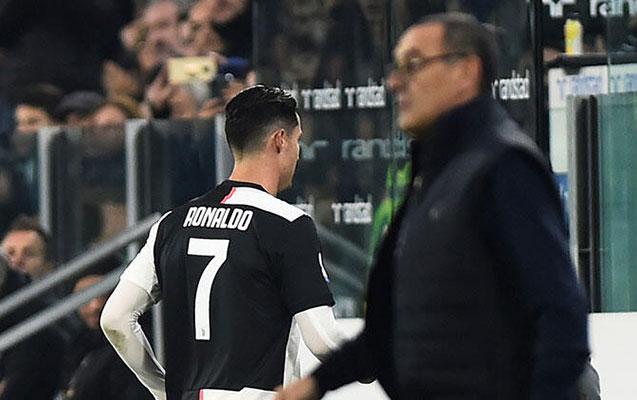 Ronaldo ilə Sarri arasında gərginlik - Fotolar+Video