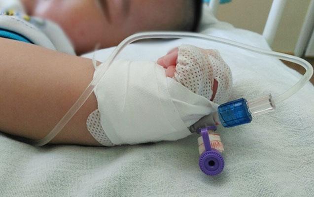 5 aylıq uşaq komadan çıxa bilmədi