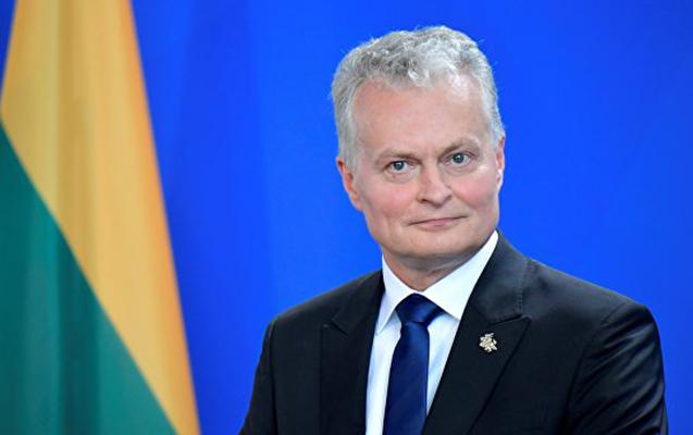 Litva Prezidenti 2 rus casusu əfv etdi