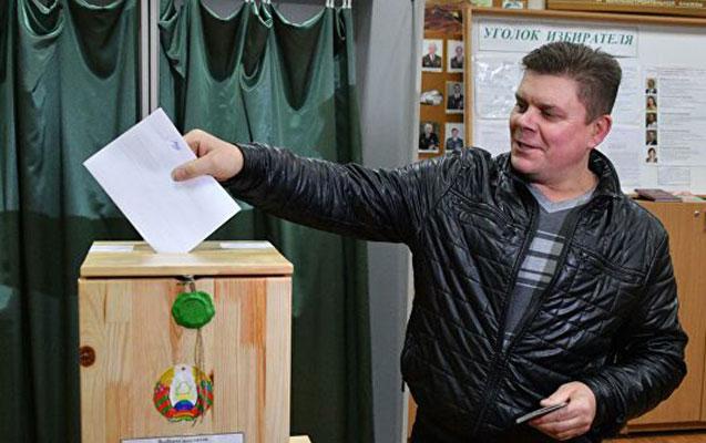 Belarusda parlament seçkiləri keçirilir