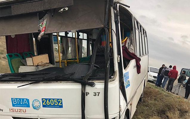 Marşrut avtobusu mikroavtobusla toqquşdu