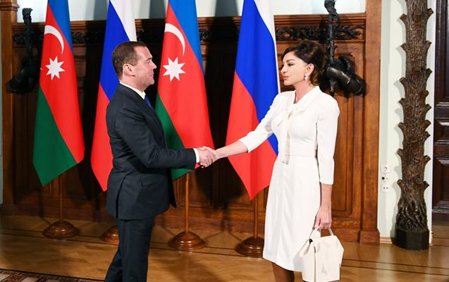 Mehriban Əliyeva Medvedevlə görüşdü
