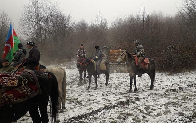 Şahdağ milli parkında atla yürüş keçirilib