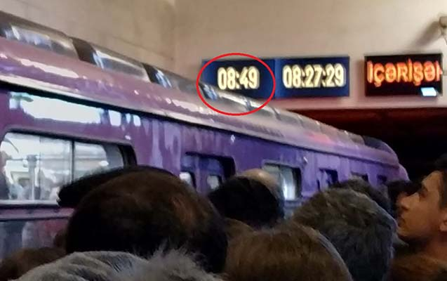 Bakı metrosunda sıxlığın səbəbi bilindi