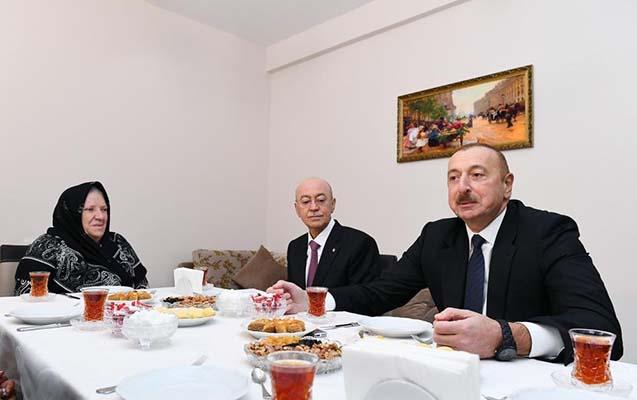 İlham Əliyev Şamaxı sakininin evində