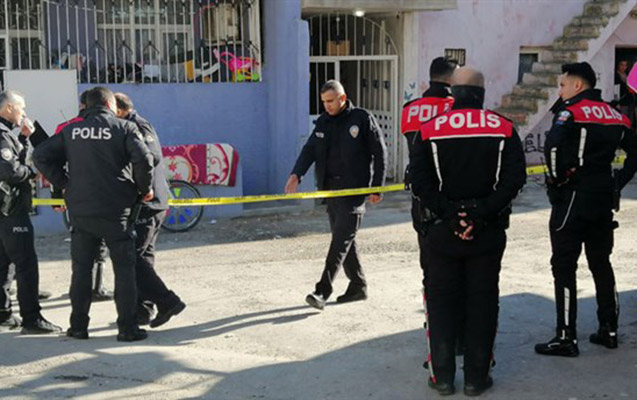 İzmirdə silahlı atışma, 10 nəfər yaralandı