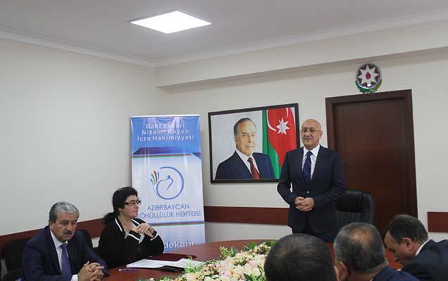 Arif Qasımov könüllülərlə görüşdü